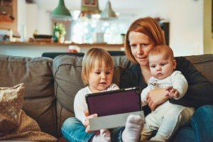 親子がオンラインで英語勉強する