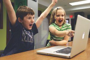 子どもが楽しくオンラインで学ぶ