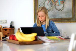 女の子オンライン勉強