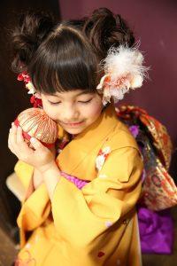日本文化着物着てる女の子